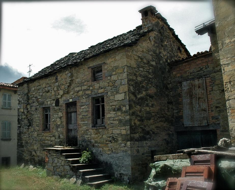 Case vecchie valtolla 39 s blog terre della val d 39 arda for Case vecchie ristrutturate