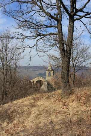 chiesa antica in valtolla