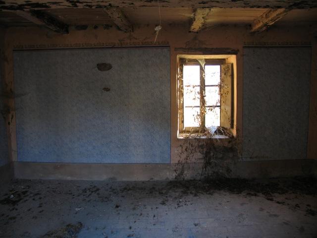 Montagna abbandonata ma c chi tornerebbe terre della for Disegni di case abbandonate