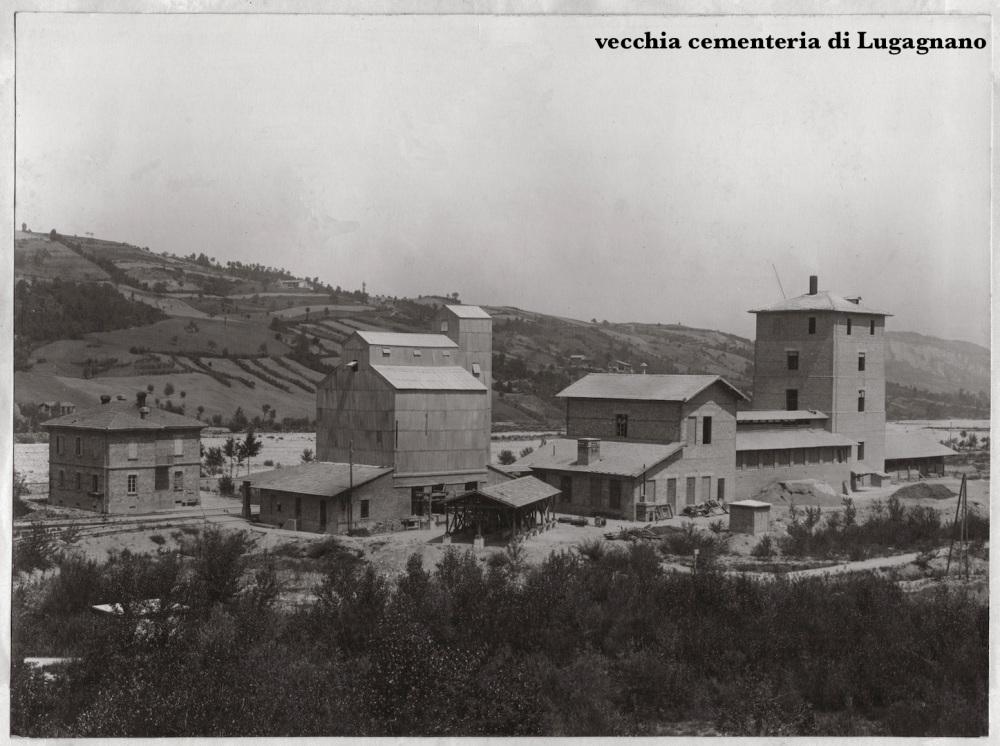 vecchia cementeria all'epoca della costruzzione della diga...(foto di F.F.). da allora non ci ha più abbandonati...