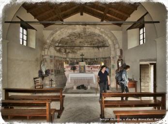 sulla via dei monasteri regi in Mignano di Vernasca; interno dell'antico oratorio