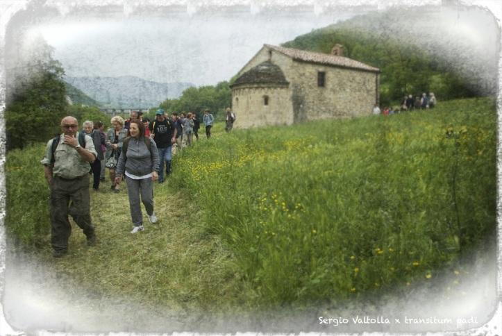 pellegrini sulla via dei monasteri regi
