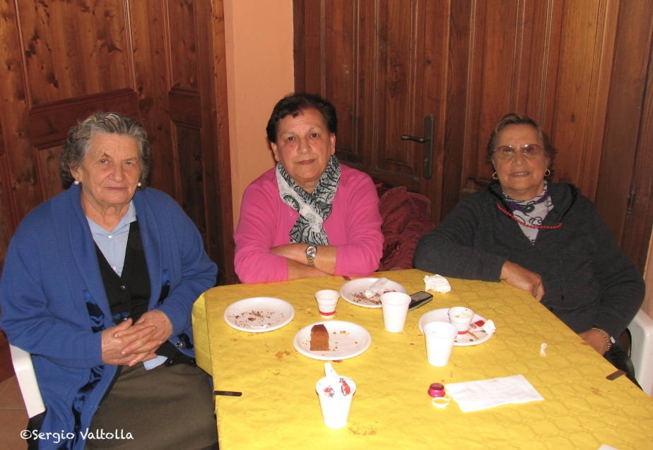 3 donne IMG_0102