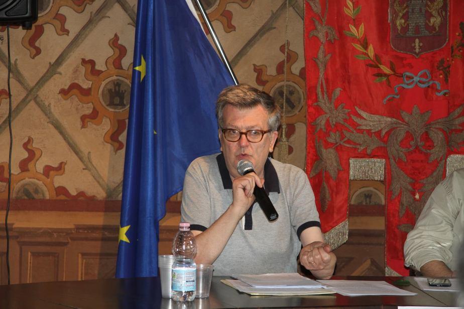 Giorgio Petracco, autore di un saggio sulla rivista